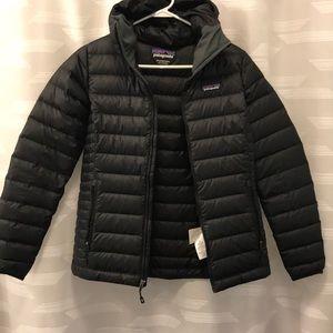 Black Patagonia puffy jacket